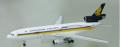 【SALE】Apollo Models 1/400 DC-10-30 シンガポール航空 California here we come 9V-SDB