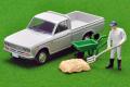 [予約]トミカリミテッドヴィンテージ 1/64 ダットサン トラック 1300デラックス(白)フィギュア付き