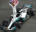 Spark (スパーク) 1/43 Mercedes AMG Petronas F1 Team Mercedes F1 W08 EQ Power+ No.44 メキシコ GP 2017 World Champion 2017 - With Hammer time marker and figurine with British flag Lewis Hamilton