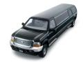 [予約]SunStar(サンスター) 1/18 フォード Excursion リムジン 2004 ブラック