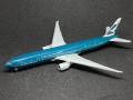 【SALE】hogan wings 1/500 777-300ER キャセイパシィフィック航空(旧塗装) Spirit of Hong Kong B-KPB
