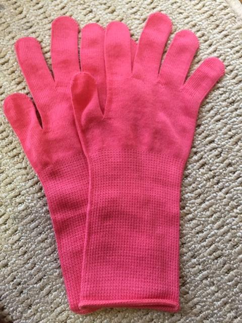 ピンクのコテ下手袋