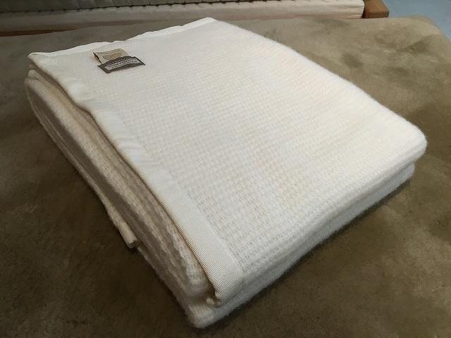 毛織物の最高峰イタリアの子羊の織り毛布