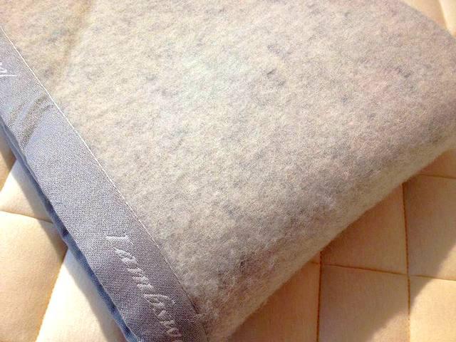 子羊のウール100%毛布