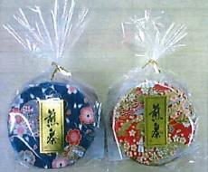煎茶ミニ和紙缶(30g入り1つ税抜き¥500)