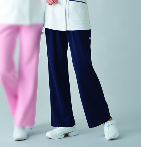 QNW2013V ル・コック 色移りしにくいネイビーパンツ ゆったりブーツカット 女子ナースパンツ