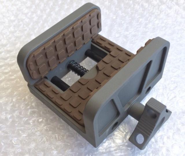 Shadow tech HOG SADDLE MOD7 (Shadow Gray /  Patriot Brown Pads)