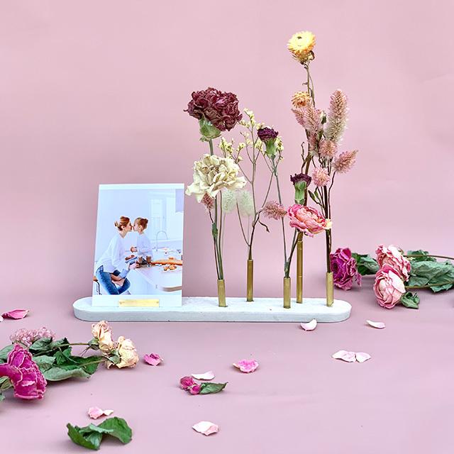 母の日ギフトC/  Brass flower stand with dryflower