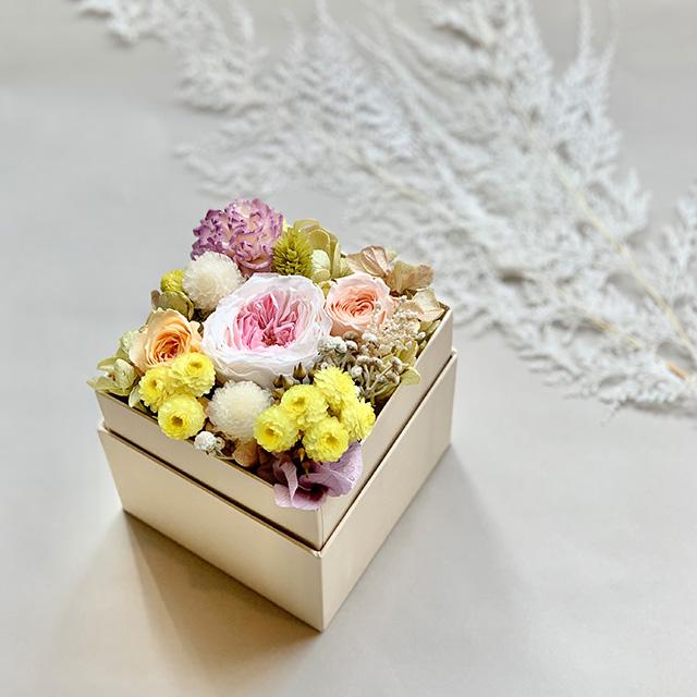 オリジナルBOX入り プリザーブドフラワーアレンジメントS