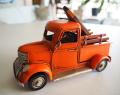 ブリキのミニチュア トラック S オレンジ ウッドボード