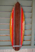サーフボード型ウッドサインM HAWAII レッドライン