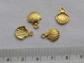チャーム 貝殻  約10×13ミリ (4個り) ゴールドカラー