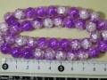 塗装クラックカラスビーズ 約10mm 赤紫×白色
