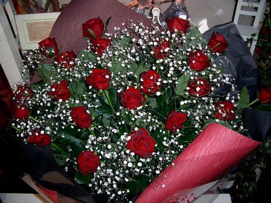 花束 赤バラ かすみ 大 [B-10000-1]