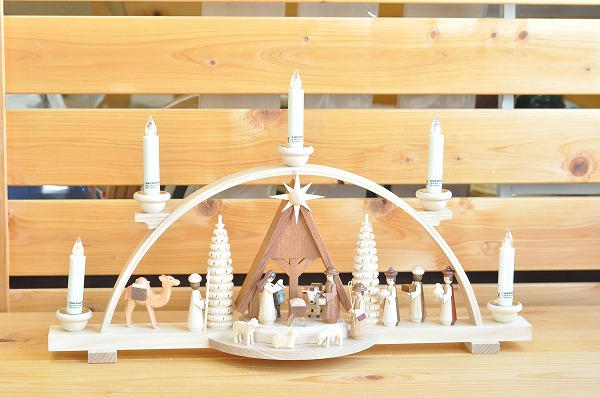 【1セットのみ入荷】【電池式キャンドル】 アーチ型キャンドルスタンド キリスト生誕