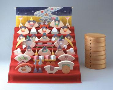 雛人形 遊プラン・小黒三郎 楕円びな七段飾り (特製垂幕つき) 《3年以上》