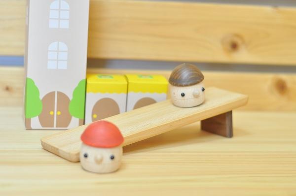 動きを楽しむおもちゃ おもちゃのこまーむ どんぐりころころセット
