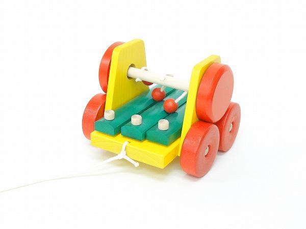 引っぱるおもちゃ ユシラ社(JUSSILA) サウンドワゴン