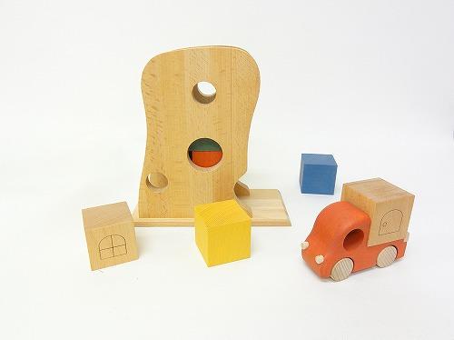 動きを楽しむおもちゃ  おもちゃのこまーむ Tuminy