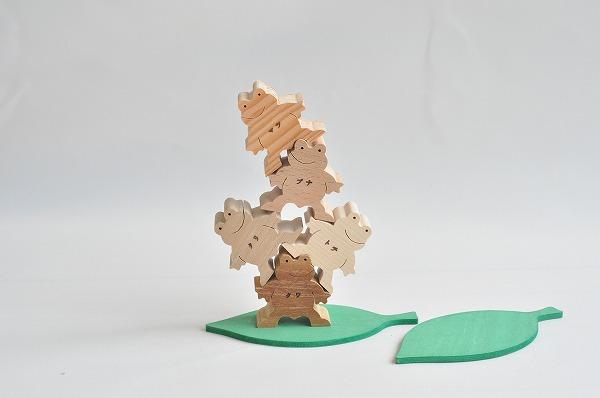 木のおもちゃ杢 かえるくん5匹セット(ナチュラル)