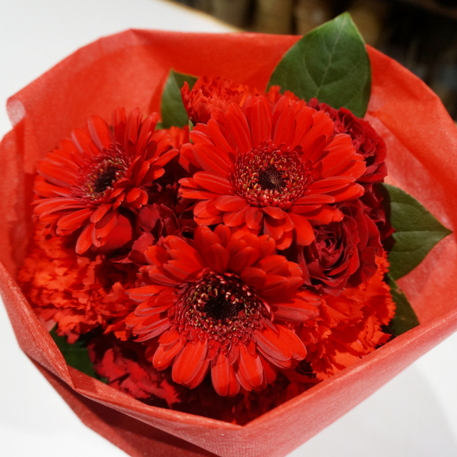 MD-006 お母さんに贈るブーケ風花束