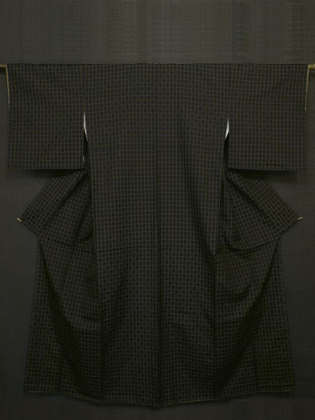 黒色地 格子縞に幾何学文様 花織紬 袷