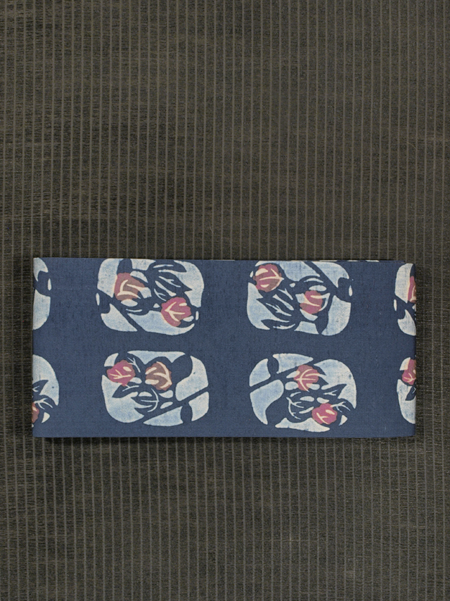 格子に花文様 ろうけつ染め 半巾帯