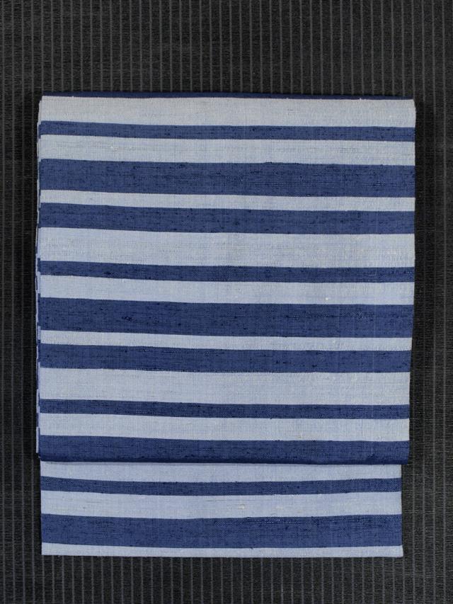 藍白に青藍(せいらん)色の縞文様 手織り紬 名古屋帯