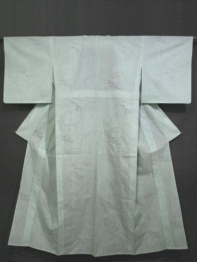 薄萌葱(うすもえぎ)色地 葡萄唐草文様 紋紗織り 単衣