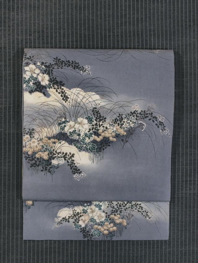 雲に草花文様 型染めに手描き染め 名古屋帯