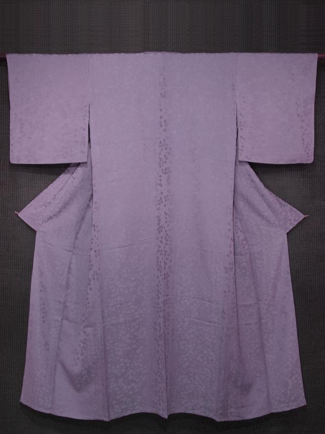 伊と幸製 古代紫色 菊文様の紋意匠縮緬 無地 単衣