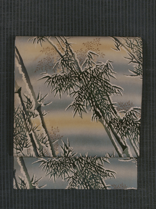 雪持ち竹に南天文様 手描き染め 名古屋帯