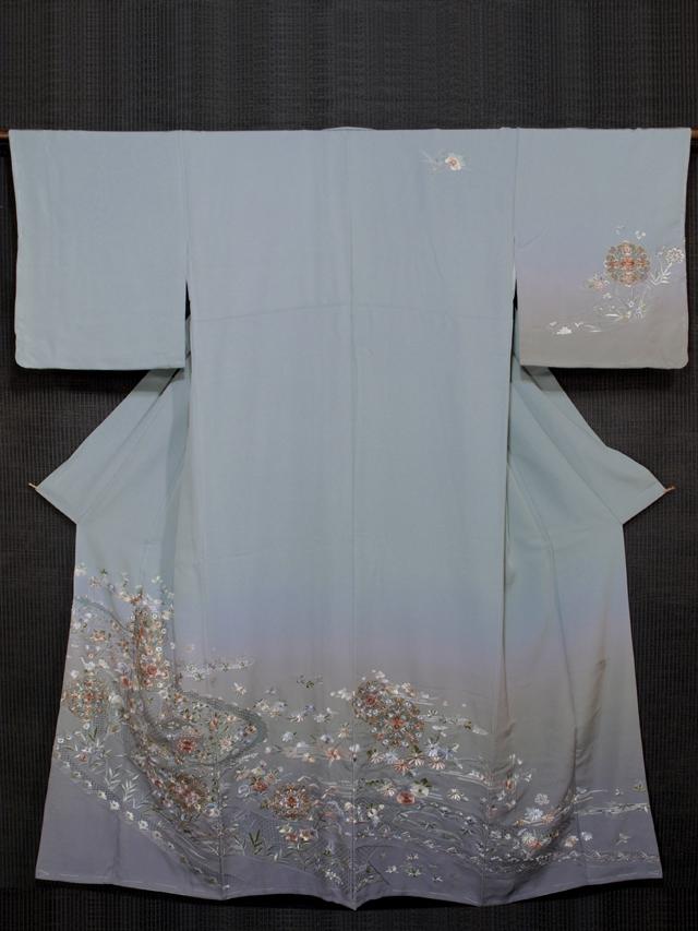 流水に宝相華と草花文様 蘇州刺繍とスワトウ刺繍 訪問着 袷