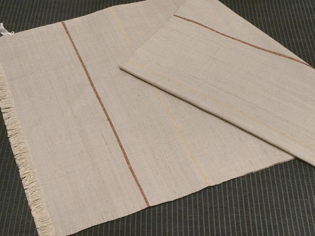 中野みどり作 草木染め手織り紬 グレー地綾ライン バーガンディー&卵色 ショール