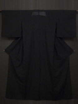 黒地に十字絣文様 竪絽 単衣