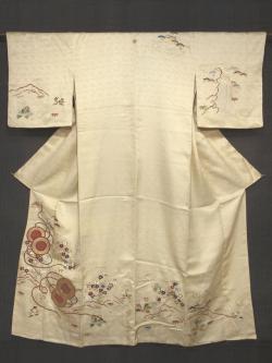 紗綾型の地紋に鼓と草花の絵図 友禅染めに手刺繍 縫い一つ紋 訪問着 袷