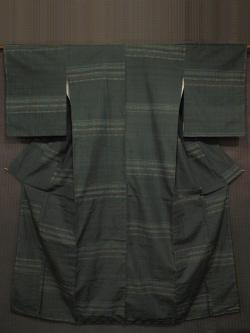 深緑色地 縞に亀甲文様 結城紬 袷