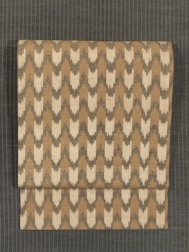 縞に波縞文様 絣織り 名古屋帯