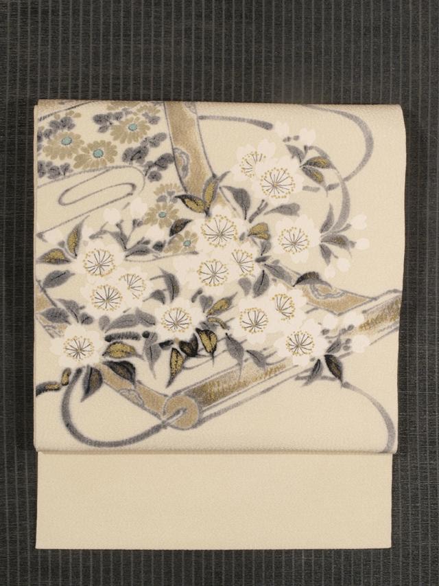 掛け軸に桜文様 手描き染め 名古屋帯