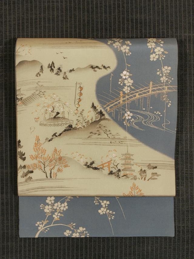 風景に桜文様 型染めに手刺繍 名古屋帯