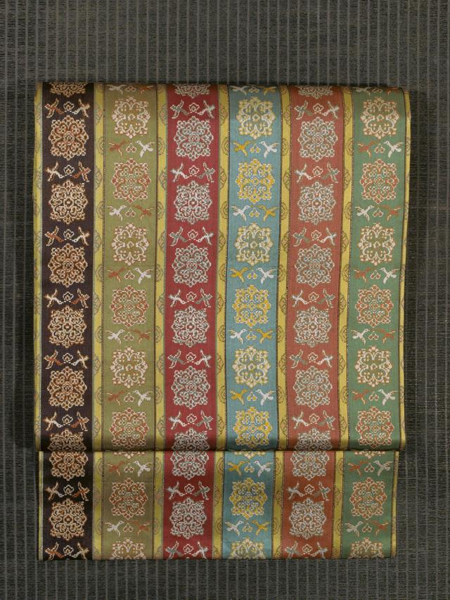 龍村美術織物製 唐花雙鳥長斑錦 (からはなそうちょうちょうはんきん)織り 比翼額縁仕立て帯