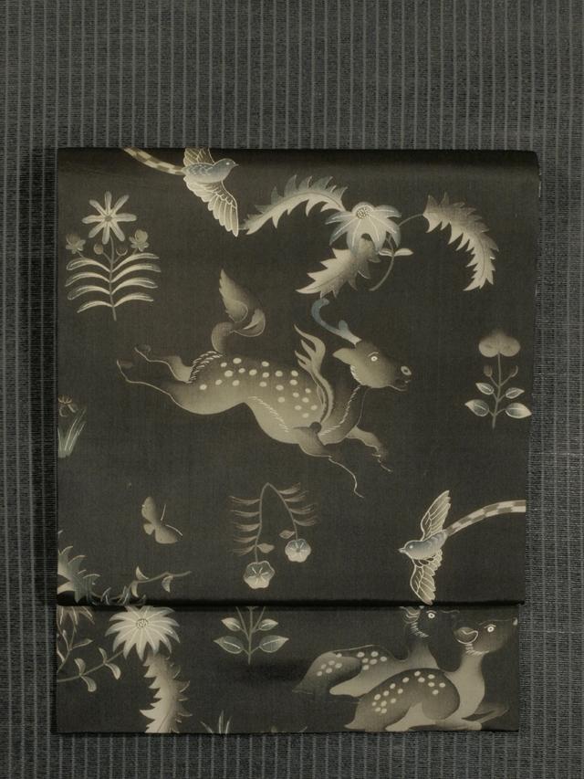 草花に蝶鳥と鹿文様 型染め 名古屋帯