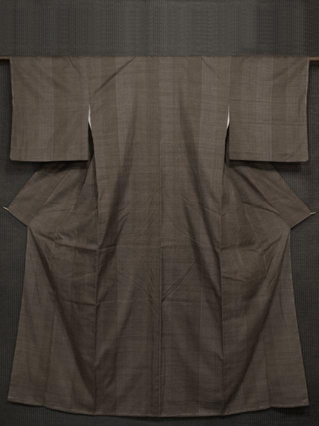 胡桃染(くるみぞめ)色地 縞に亀甲と十字絣 真綿紬 袷