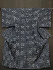 紺鼠(こんねず)色地 縦縞に幾何学文 琉球紬 袷