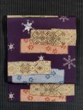 破れ段縞に花七宝と雪の結晶文様 型染めに手刺繍 名古屋帯