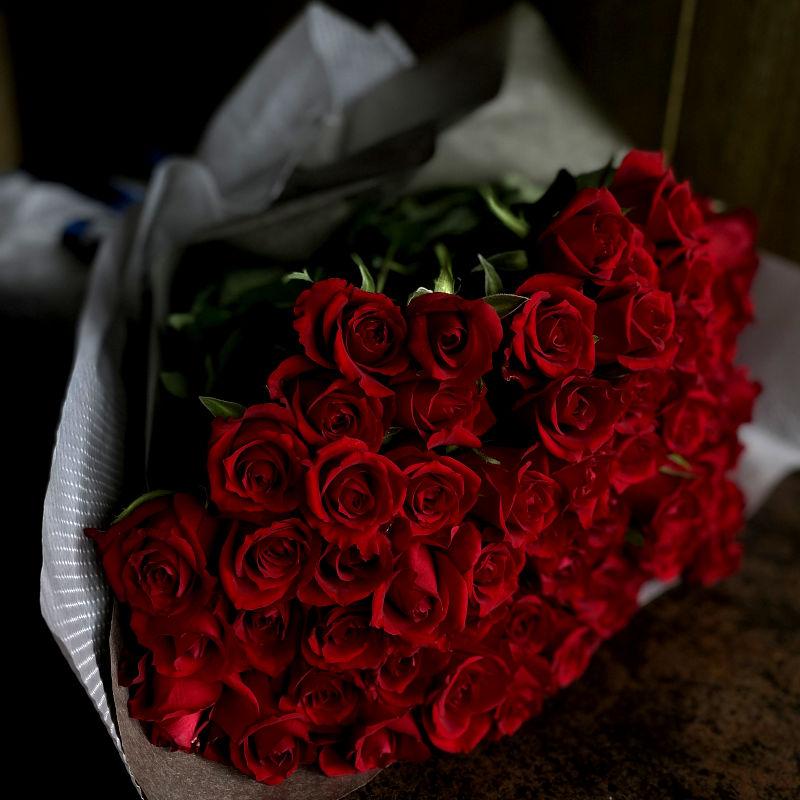 99本のバラの花束-永遠の愛、ずっと好きだった-
