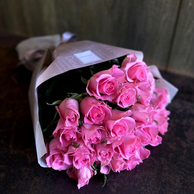 24本のバラの花束-一日中あなたを思っています-pink