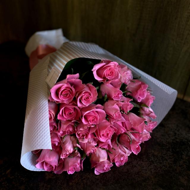 33本のバラの花束-生まれ変わっても愛する-pink