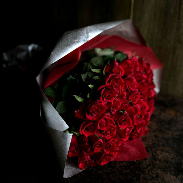 60本のバラの花束