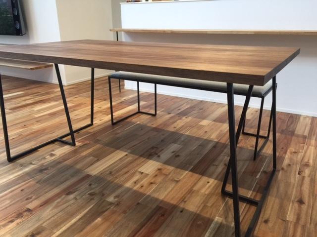 クロテツ SUMIダイニングテーブル